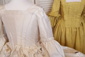 the mantua project, mantuas, mantuamaker, what is a mantua, 1760s sewing methods, 18th c costume research, costume historian, is there anyone out there researching 1760s sewing methods, TGCC, the georgian costume company, HandBound costumes