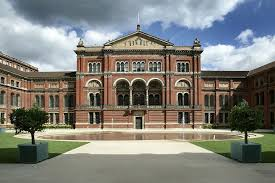 Image of the Victoria and Albert Museum in London